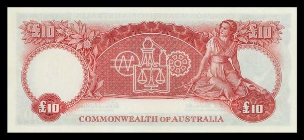 scan 4 1960 QEII £10 Pound consec trio unc obv